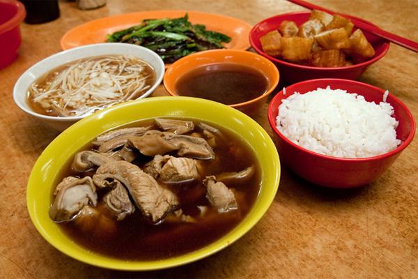 Món Bak kut Teh nổi tiếng ở Singapore